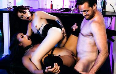 Lola Fae, Chanel Gray, Kyle Mason – Goth Teen Nymphos – Lola-Chanel (BurningAngel)